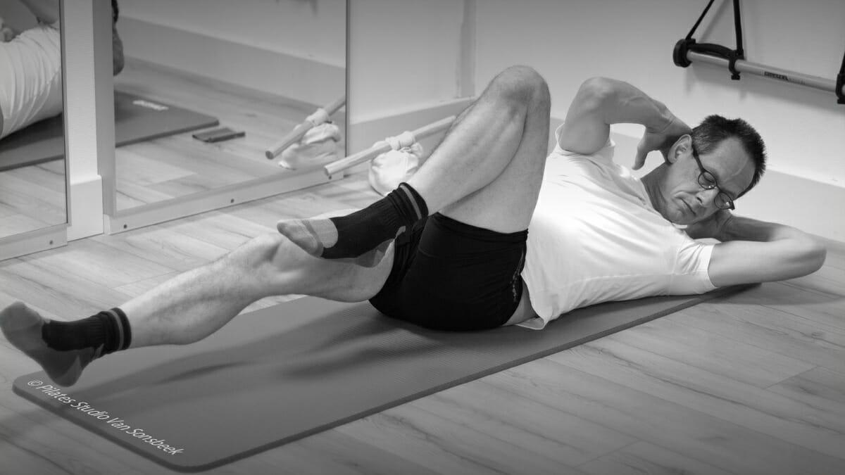 Peter. Pilates Mat. Criss Cross