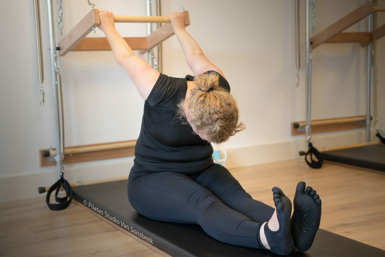 Reverse Push Through bij Pilates Studio Van Sonsbeek