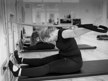 Arm Springs Rowing Serie bij Pilates Studio Van Sonsbeek